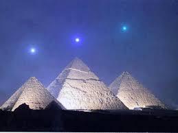 gizeh,pyramide,7 merveilles du monde,funéraire,khéops,pharaon,énigme,mythique,berceau,dieux,civilisation,réflexion,comprendre,savoir,connaître